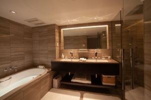 a10_002_bathroom