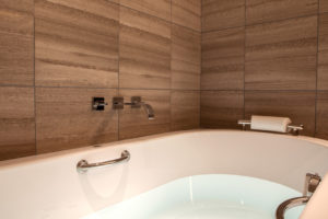 a10_002_bathroom_3