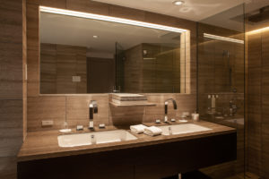 a10_002_bathroom_5